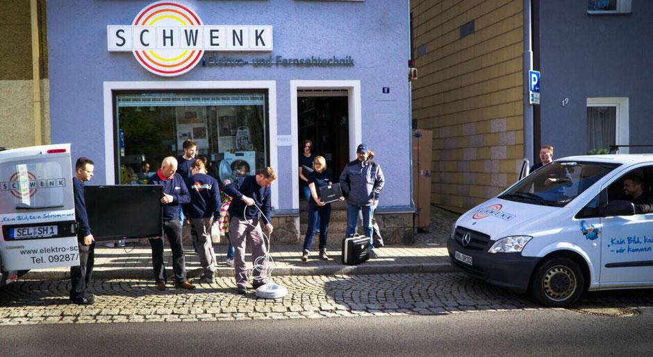 Mitarbeiter Firma Elektro Schwenk in Selb in der Talstraße
