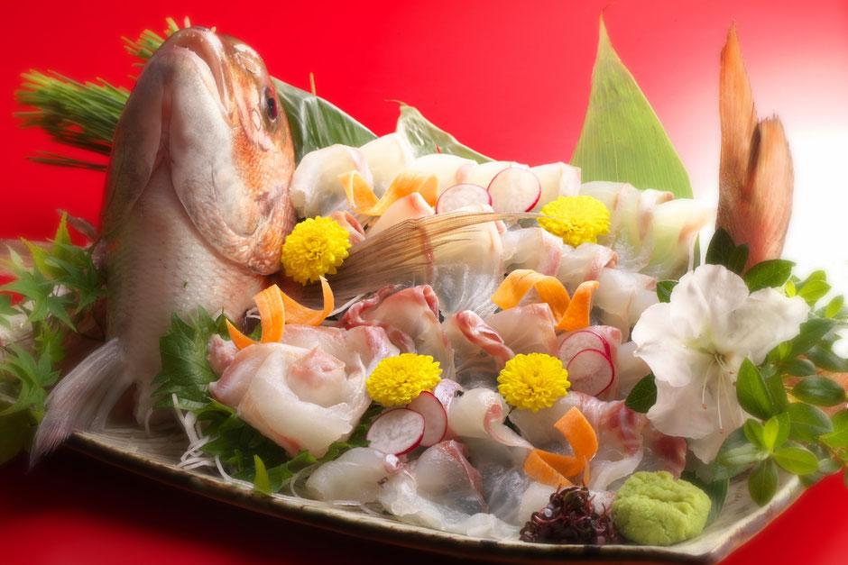 お祝い事に欠かせない鯛のお造り 5,000円+税(要予約)
