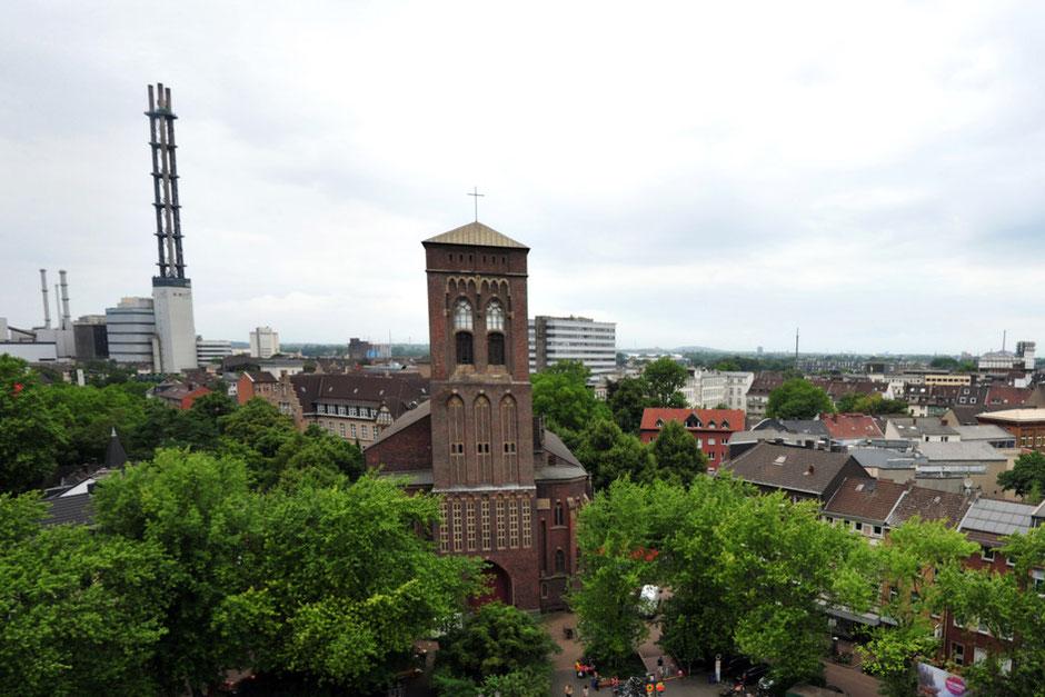 Die St.-Joseph-Kirche am Duisburger Dellplatz wird im kommenden Jahr das neue Zuhause der Jugendkirche Tabgha. Archivfoto: Jörg Schimmel | Funke Fotoservices