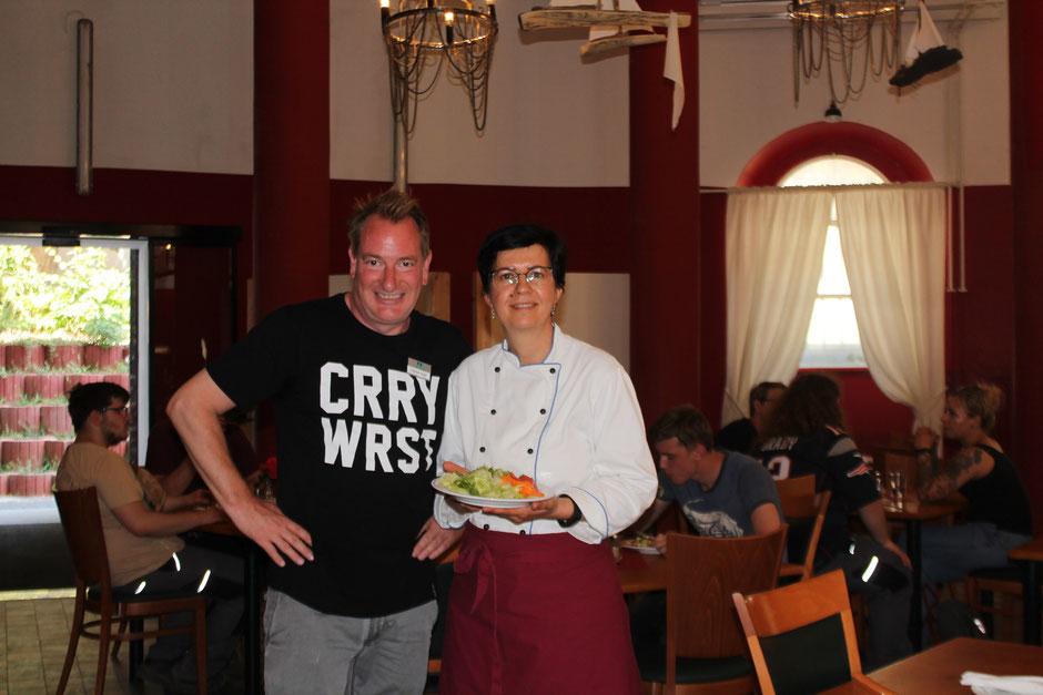 Christoph Huxohl und Dzenana Hegemann von der Duisburger Werkkiste wünschen sich viele neue Gäste und Akteure ihrer MA(H)LZEIT ©Duisburger Werkkiste