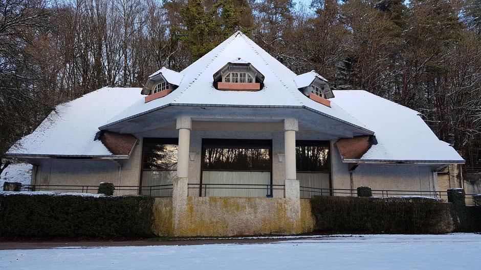 La Potinière, salle de spectacle de style Art Déco, construite en 1937 (c) Municipalité de LVLB