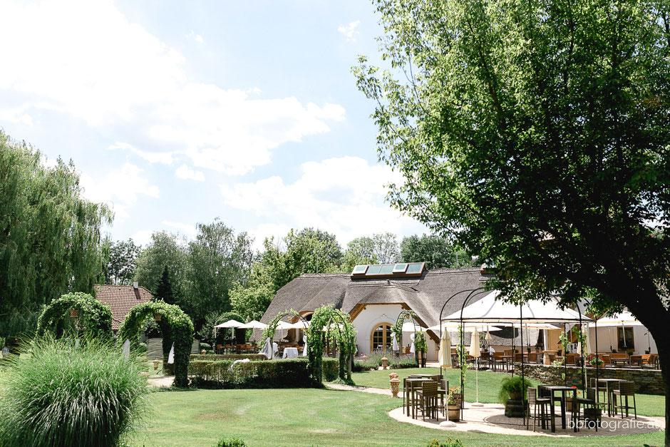 Hochzeitsfotograf, Hochzeitsfotograf Burgenland, Hochzeitslocation Burgenland, Hochzeitslocation Villa Vita Pannonia, Gartenhochzeit, b&b fotografie