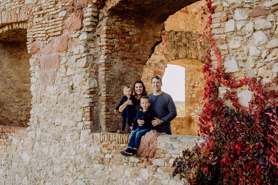 Familienportrait in Burgruine Landskron in Oppenheim bei Mainz