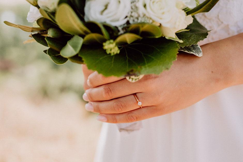 Verlobungsring in Roségold mit Diamant