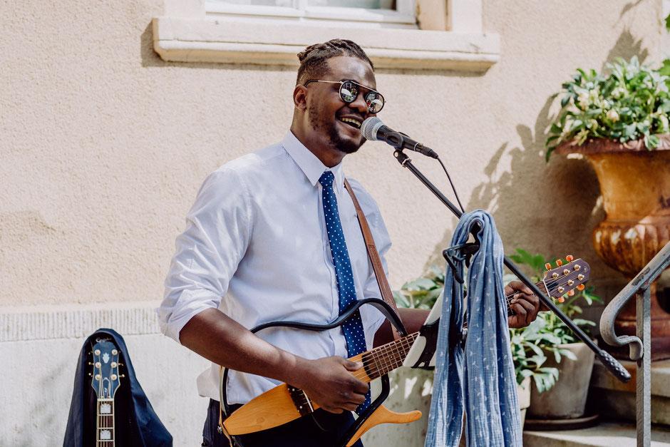 Julio Herrezuelo singt bei Sommerhochzeit in Bad Kreuznach