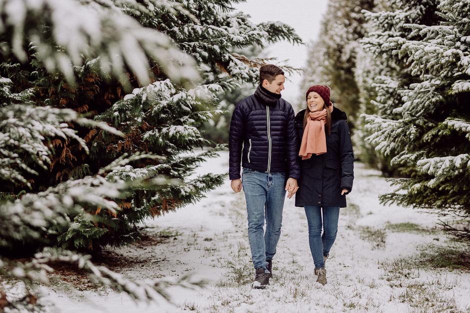 Paarshooting in Rheinhesse im Wald mit Schnee