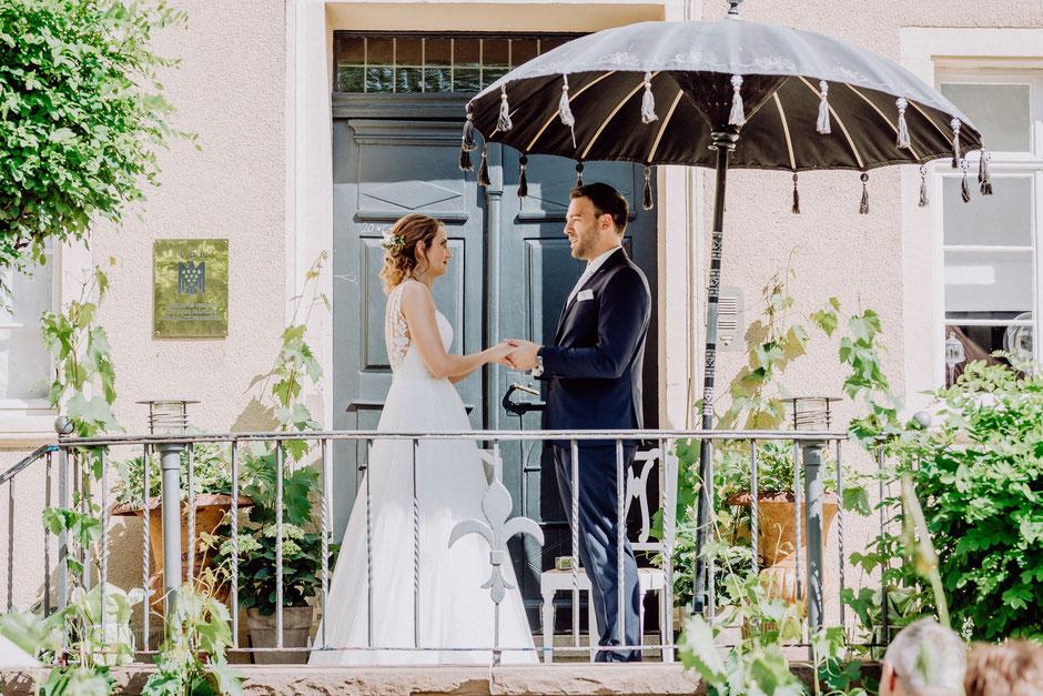 Eheversprechen bei freier Trauung auf Burg Layen bei Bad Kreuznach