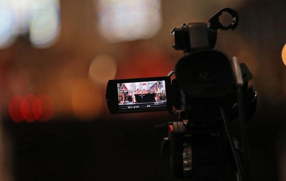 Foto: Fabrice Gevaert livestream video camera uitvaart crematie begrafenis
