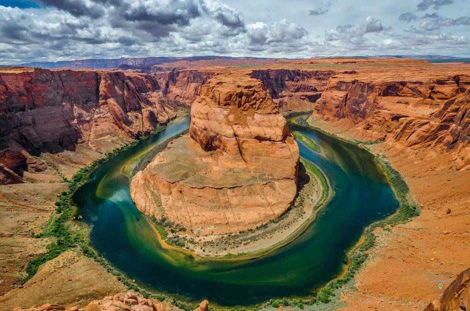 Rote Erde, blau-grünes Wasser - eine tolle Kombination