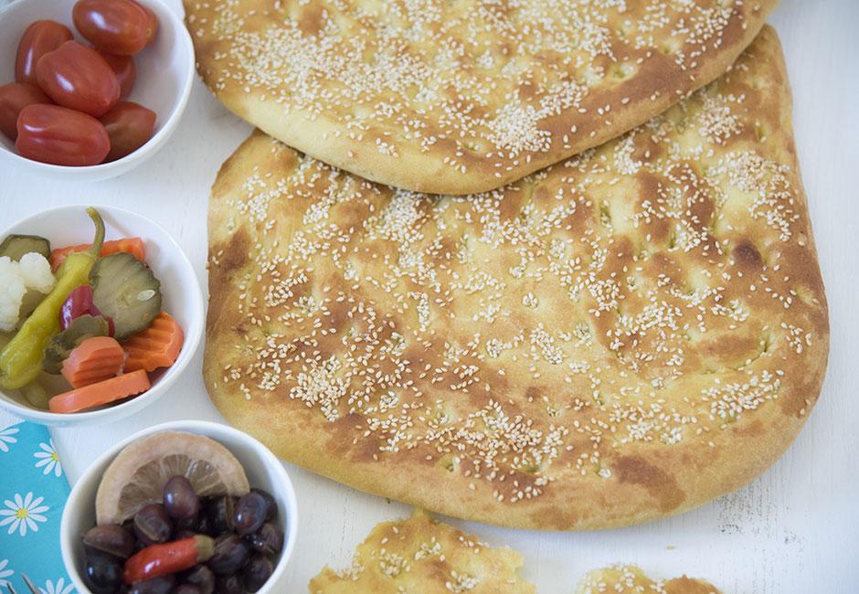 Lagana, griechisches Fastenbrot, Fladenbrot, vegan