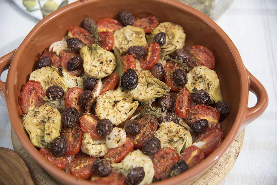 Mediterranes Ofengemüse mit Artischocken vegan