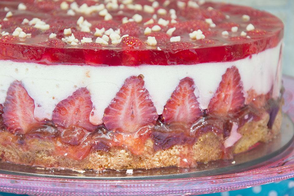 Vegane Erdbeer-Joghurttorte