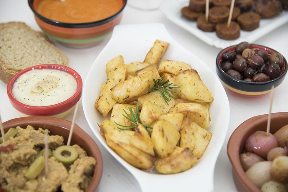 Patatas Bravas -Würzige Kartoffeln  Tapas vegan