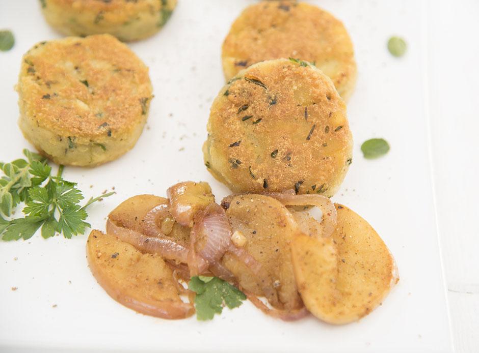 Kartoffelplätzchen mit Äpfeln+Zwiebeln, vegan
