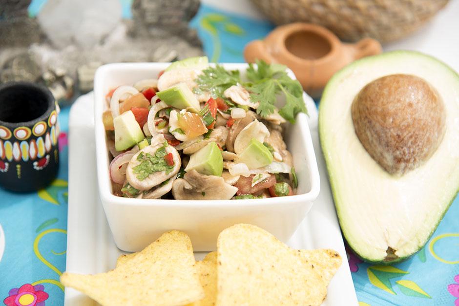 Ceviche vegan mit Pilzen und Avocado