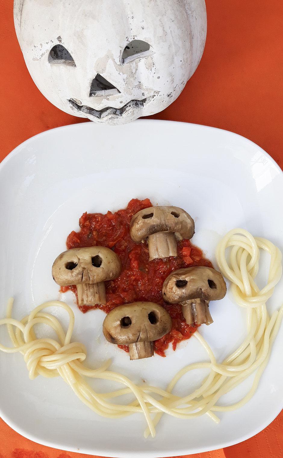 Halloween Pilze, vegan, Totenköpfe