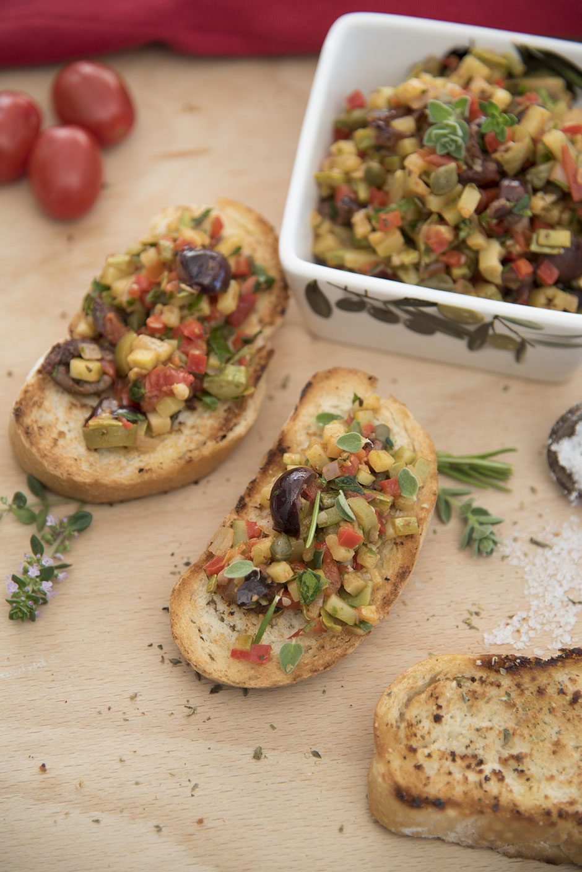 Bruschetta mit mediterranem Gemüse vegan