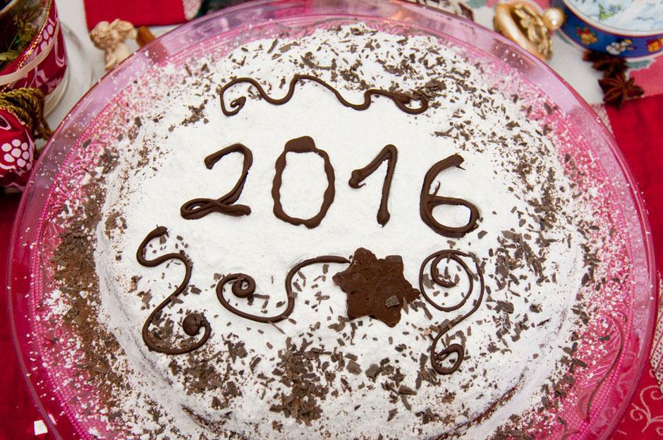 Vegane Vassilopita griechischer Neujahrskuchen