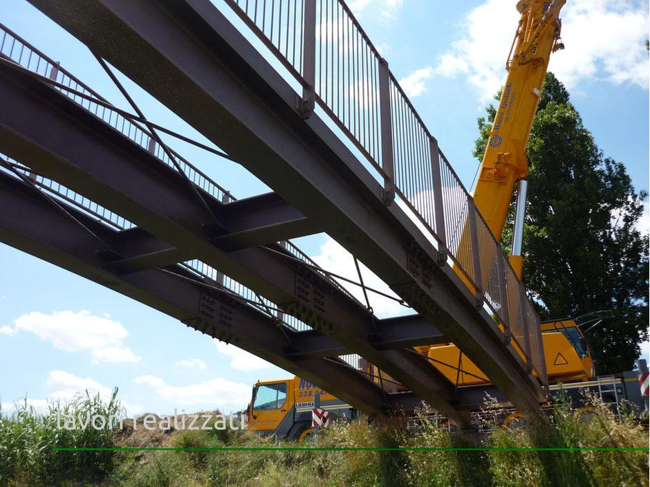 Carpenteria metallica per ponte pedonale Rinaldi Costruzioni