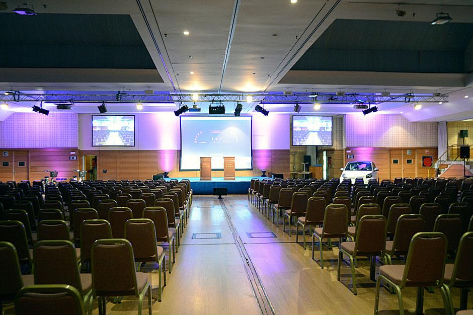 alquiler de pantallas gigantes para congresos, reuniones y eventos