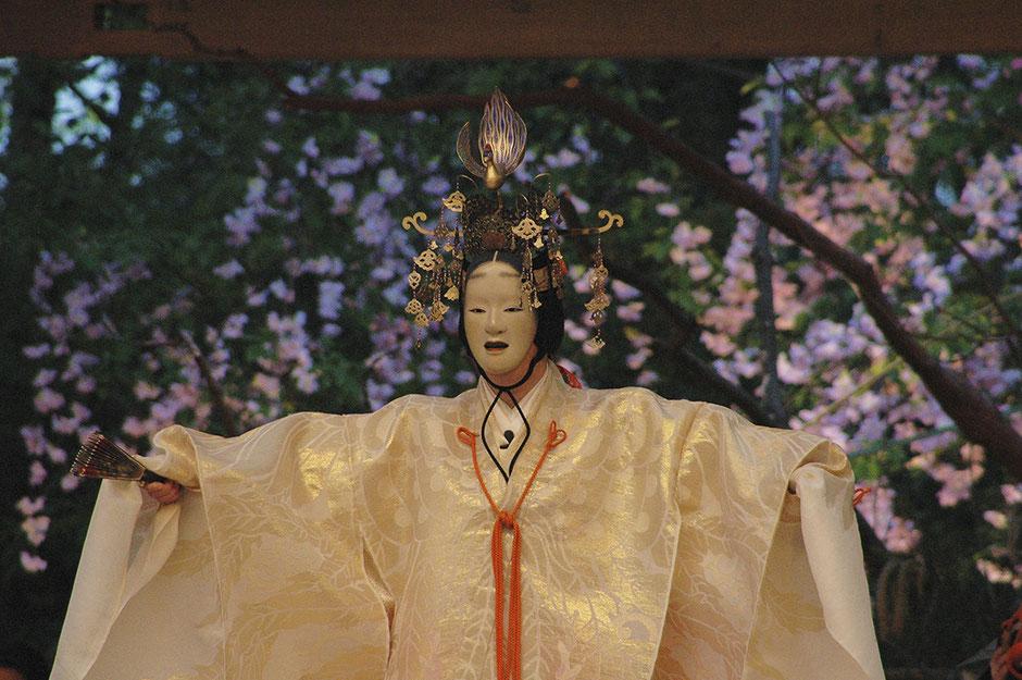 増女(雪) 武田神社薪能第1回「羽衣」シテ 佐久間二郎師