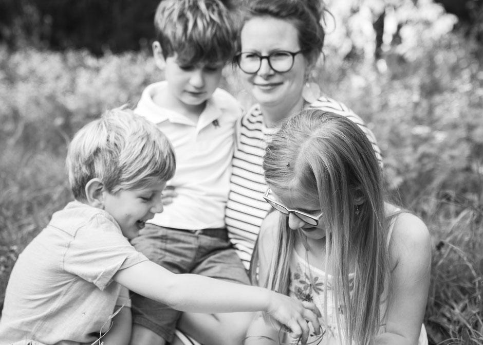 Fotografie Corinna Mamok, Familienfotograf Saarland, Fotograf Saarland, Kinderfotos Saarlouis, natürliche und authentische Familienbilder Saarland