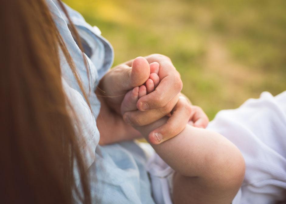 Babyshooting Nordsaarland, Babyfotos Wandern, Neugeborenenfotos Wandern, Neugeborenenfotos Saarland, natürliche Babyfotos Saarland
