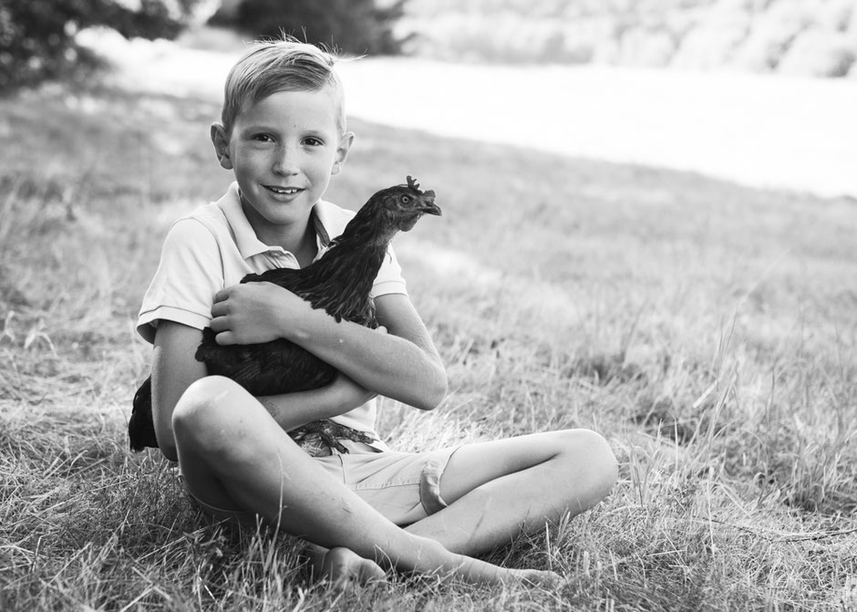 Kindershooting Nordsaarland, Kinderfotos Wandern, Familienfotos Wandern, natürliche Kinderfotos Saarland, lebendige authentische Familienfotos Saarland