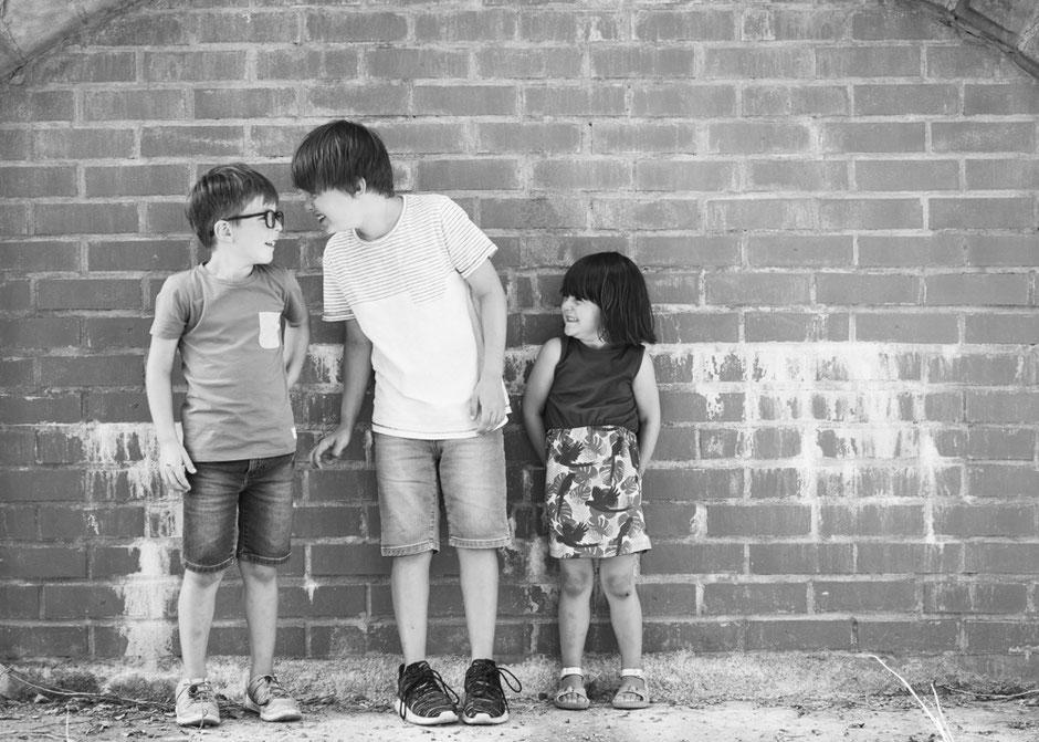 Geschwisterfotos Saarland, Geschwisterbilder Saarland, Geschwisterfotoshooting Saarland, Fotograf Saarland, Kinderfotos Saarland