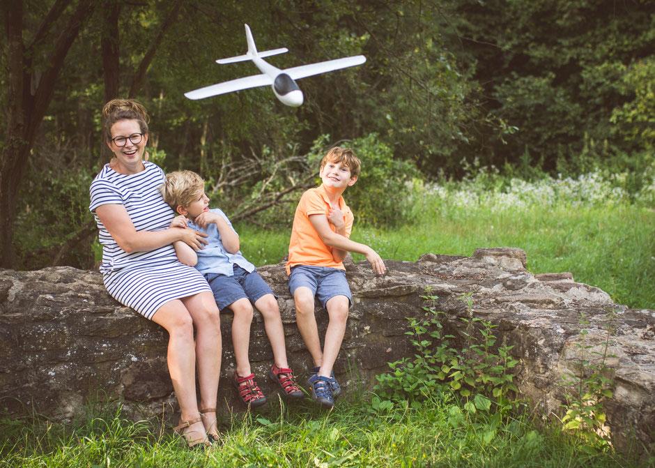 Familienfotograf Saarland, natürliche und authentische Kinderfotos Saarbrücken, Fotografie Corinna Mamok, Fotograf Saarlouis