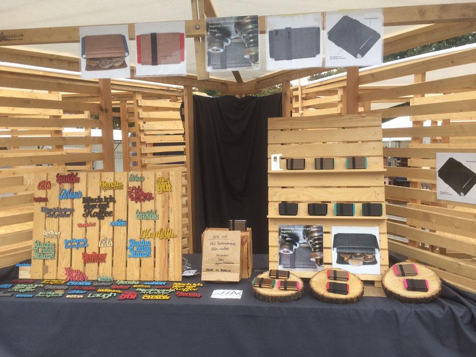 Präsentation der Marktstände in Berlin mit Mini Portemonnaies