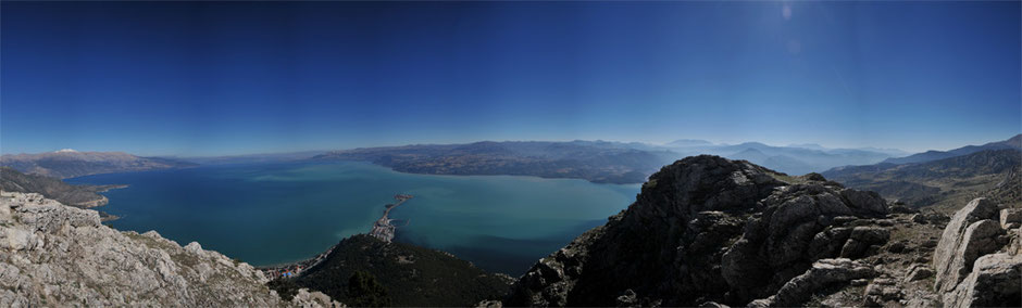 Die Aussicht vom Gipfel des Sivri auf den Egirdir-See ist atemberaubend