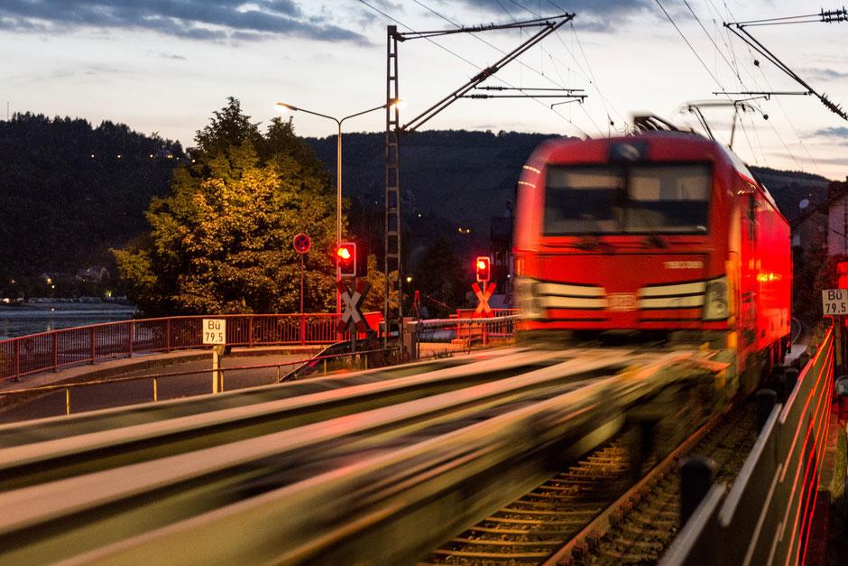 Proteste gegen den nächtlichen Güterverkehr auf der Rheinstrecke