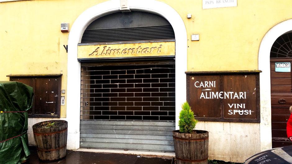 """Agenzia immobiliare Petrini """"Livata""""  agenziaimmobiliarepetrinilivata.it Commerciale di 200mq a Subiaco Centrale"""