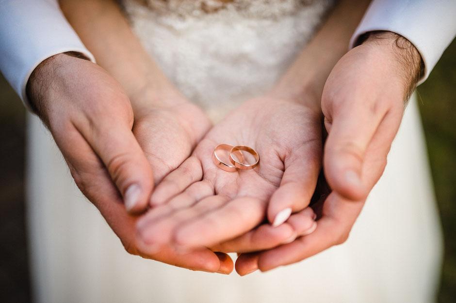 Hochzeitsringe, Hande, Hochzeit auf dem Rittergut Remeringhausen