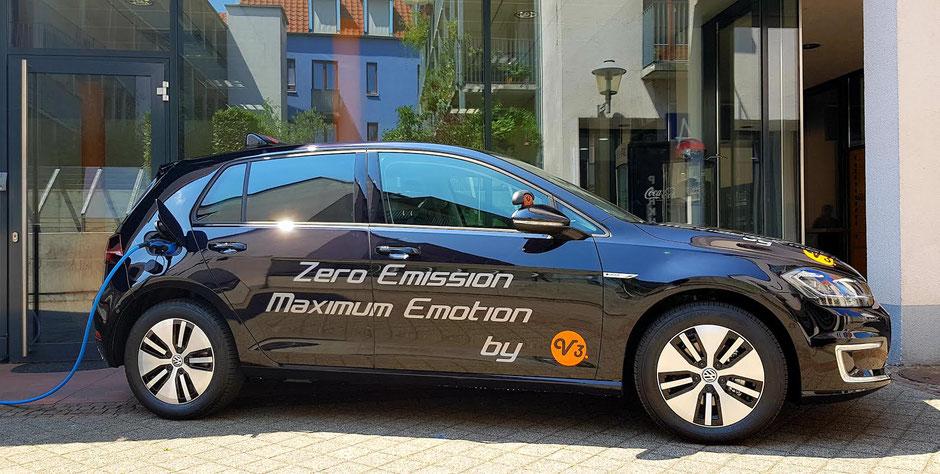 Auch mit unserem nigelnagelneuen VW eGolf ist die ZEAusbildung möglich.