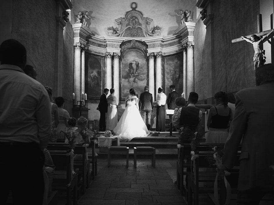 Cérémonie religieuse lors d'un mariage à l'Eglise