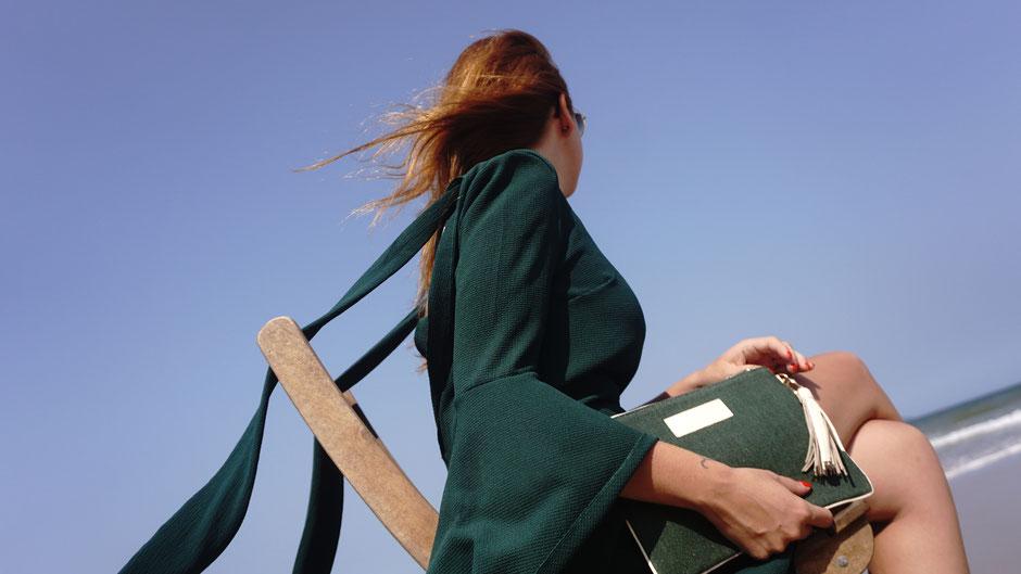 Blog l'Insolente Paris - sacs et pochettes en lin et cuir - Maroquinerie pour femmes - sacs et pochettes cérémonies et occasions -sac et pochette dessinés en France - accessoire lin