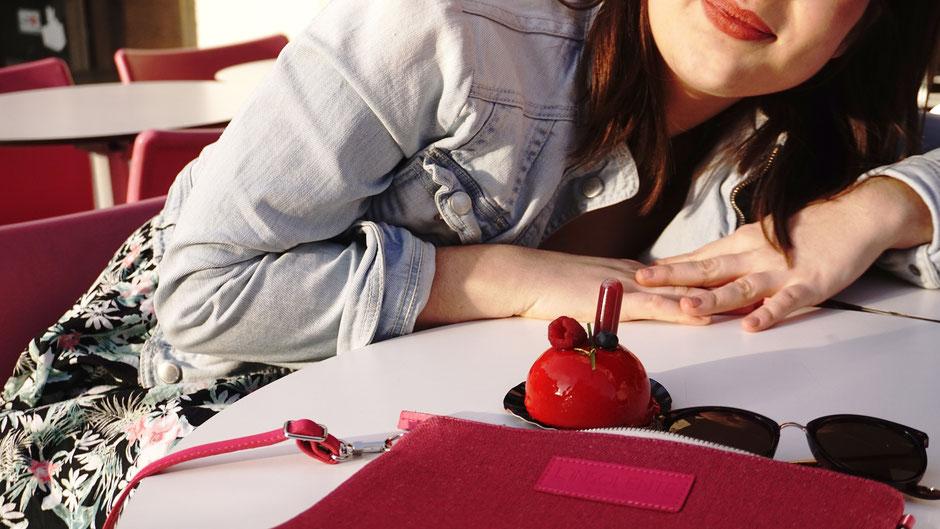Blog l'Insolente Paris - sacs et pochettes en lin et cuir - Maroquinerie pour femmes - sacs et pochettes cérémonies et occasions - sac et pochette dessinés en France - accessoire lin