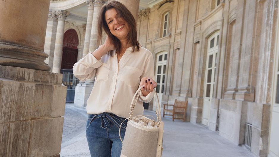 Sac seau l'Insolente Paris - Pompadour ivoire bordeaux et camel - sacs et pochettes en lin et cuir - Maroquinerie pour femmes - sac porté épaule et main. Accessoire de mode en lin ivoire bordeaux et camel