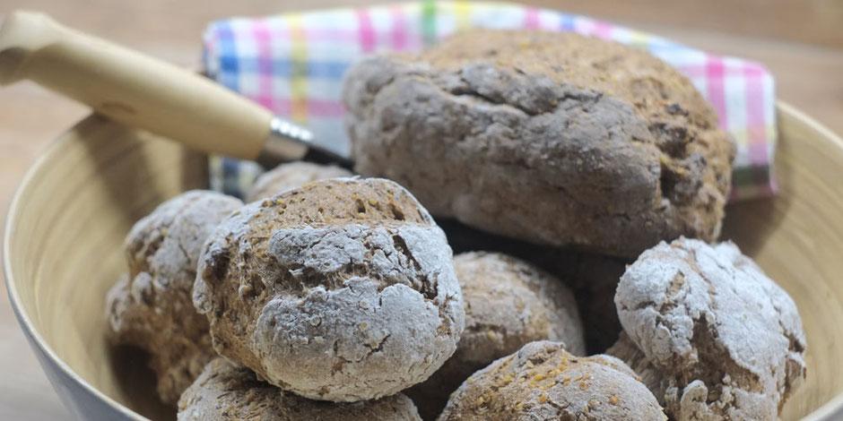Kerstins Keto, Softes Walnuss Sandwich Brot, zuckerfrei, glutenfrei