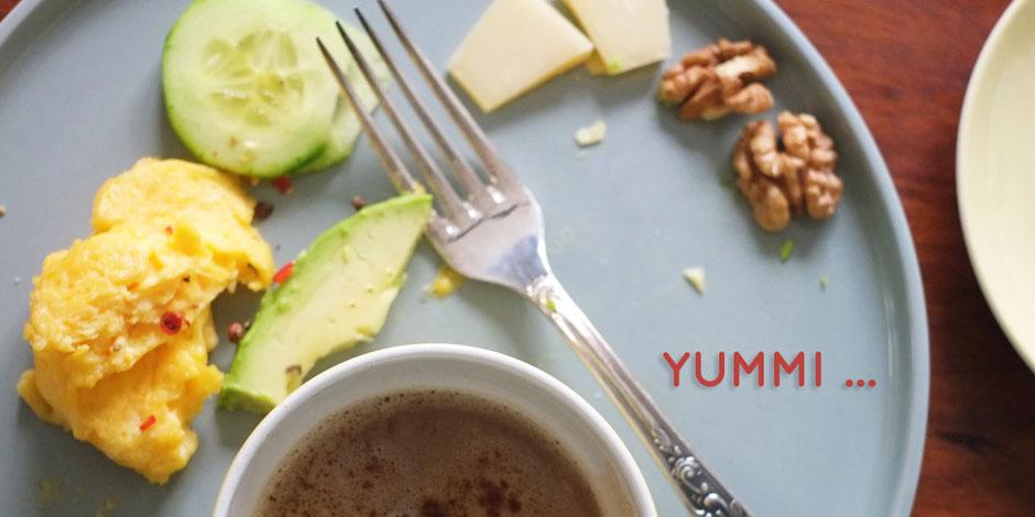 Kerstins Keto, ketogenes Frühstück mit Parmesanrührei
