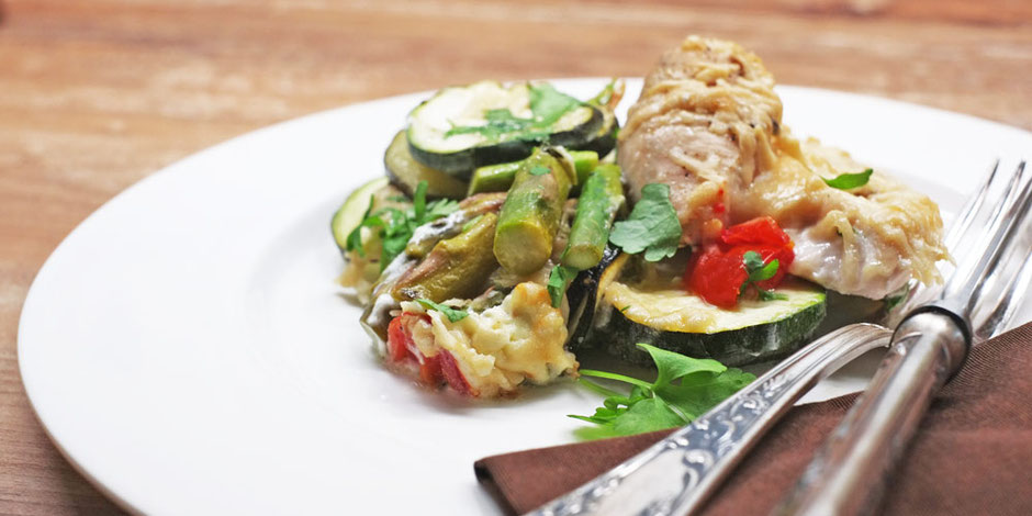 Kerstins Keto, Zarte Hühnerbrust mit Gemüse aus dem Ofen