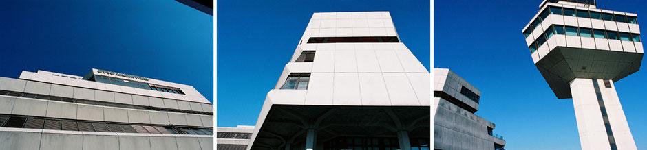 Berlin Tegel Flughafen Tower Otto Lilienthal Terminal Architektur blauer Himmel