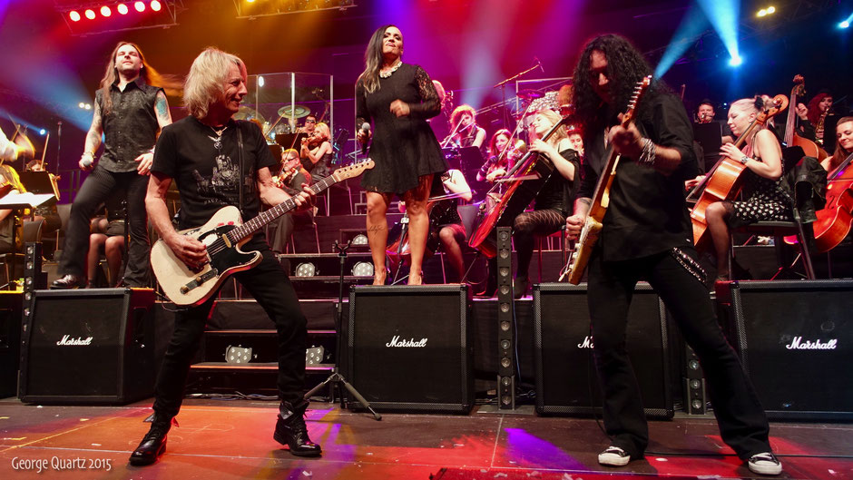 "Rick Parfitt of Status Quo with ""Rock meets Classic"" 2015 live on stage in Berlin"