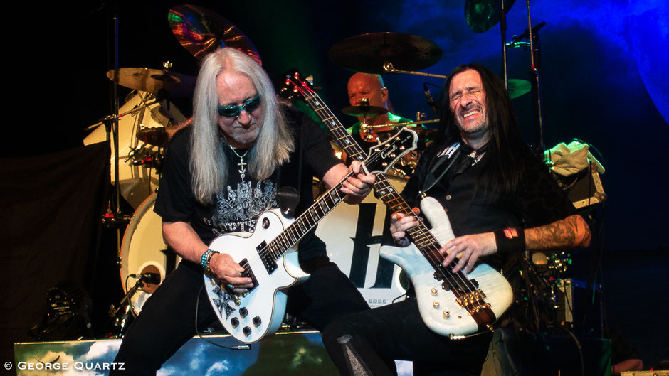 Mick Box, Davey  Rimmer and Russell Gilbrook (Uriah Heep) on stage in Berlin, Admiralspalast
