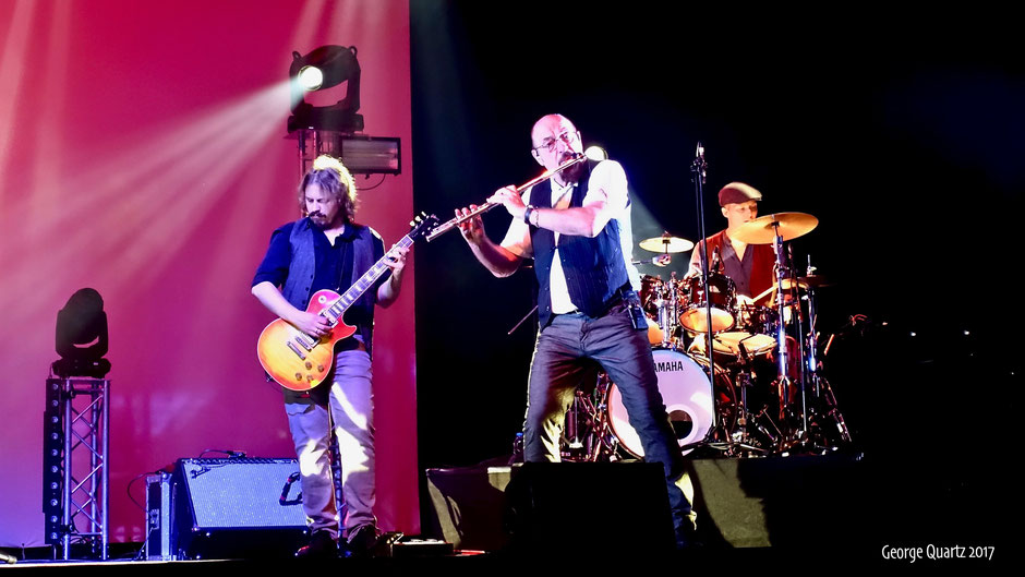 Ian Anderson's Jethro Tull 2017 live on stage in Berlin
