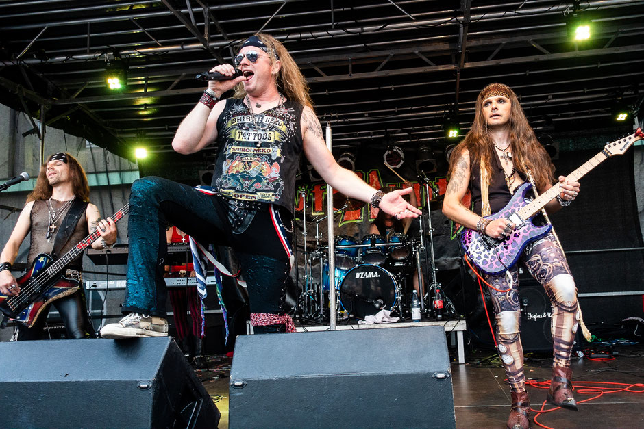 Ryffhuntr with Herbie Langhans on vocals live in Delmenhorst at Rock City Festival