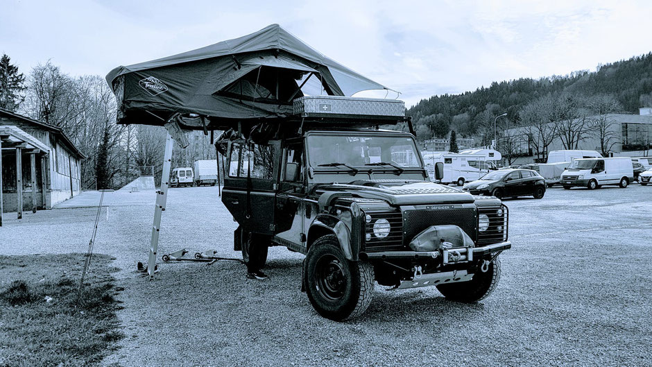 Treeline Ponderosa 4 Season Dachzelt auf Land Rover Defender