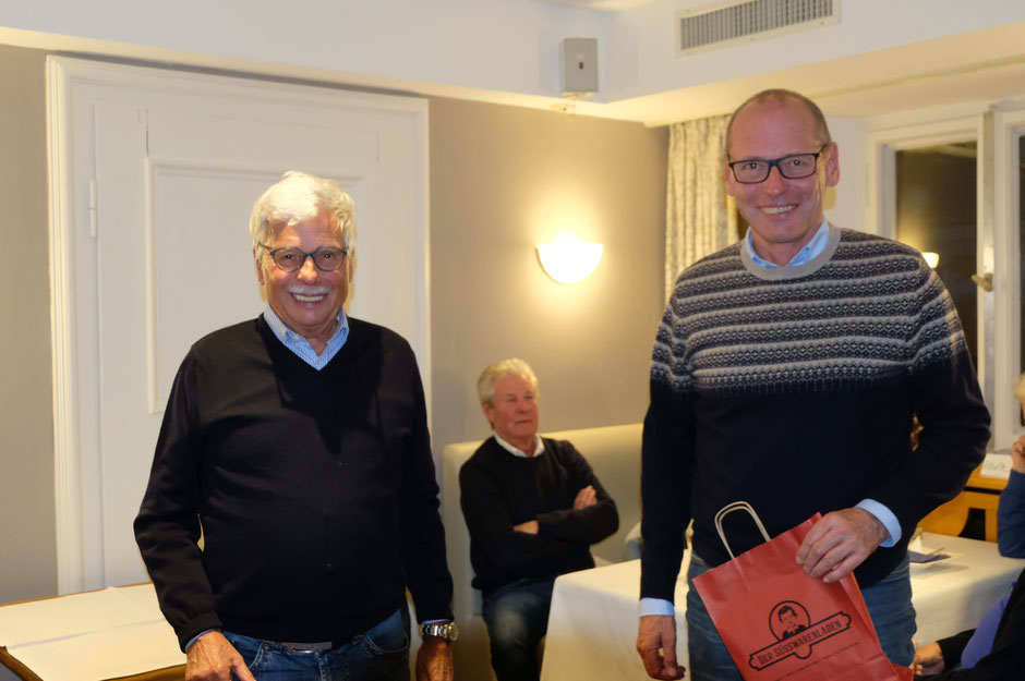 Auch einen Preis ergattert: Dr. Peter Gerhard und Anton Huber